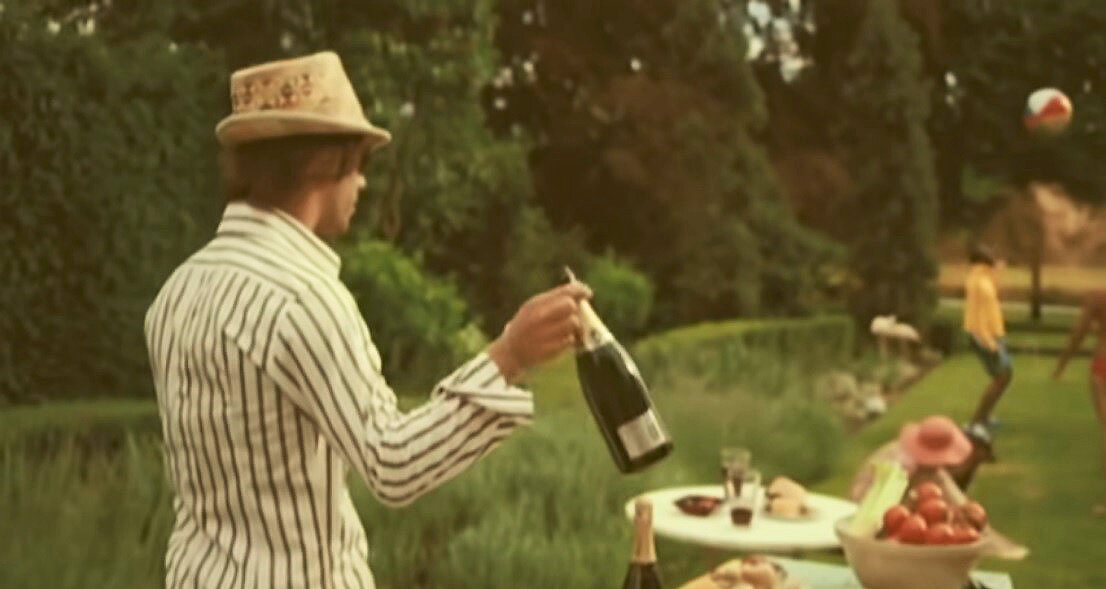 Songs about wine to listen now (and our playlist for you!)